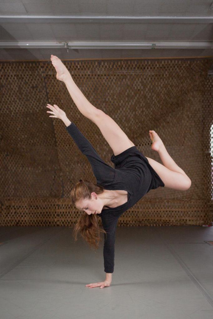 BASI Pilates - Aryanna Aronson Contemporary Dancer and BASI Pilates Apprentice   https://physiologicnyc.com/pilates-movement/